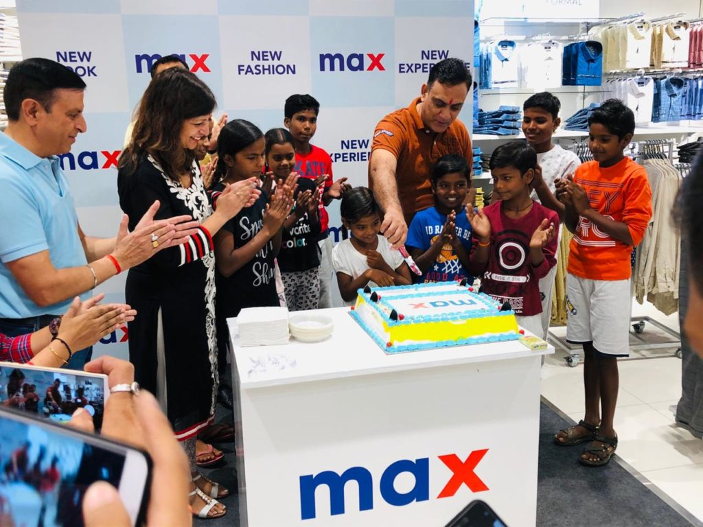 Grater Noida gaur city mall max 6th store Grand Opening
